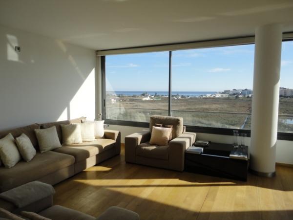 Twee slaapkamer appartement te koop met uitzicht op zee in Ibiza