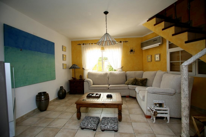 Mooie villa met 4 slaapkamers te koop in Santa Eulalia
