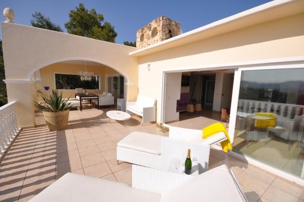 Deze droom villa 5 slaapkamers te huur in Ibiza