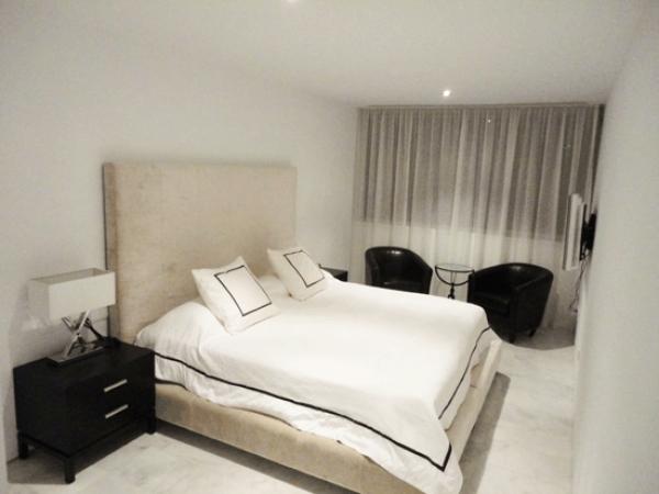 Appartement met vier slaapkamers te koop op het strand van Talamanca