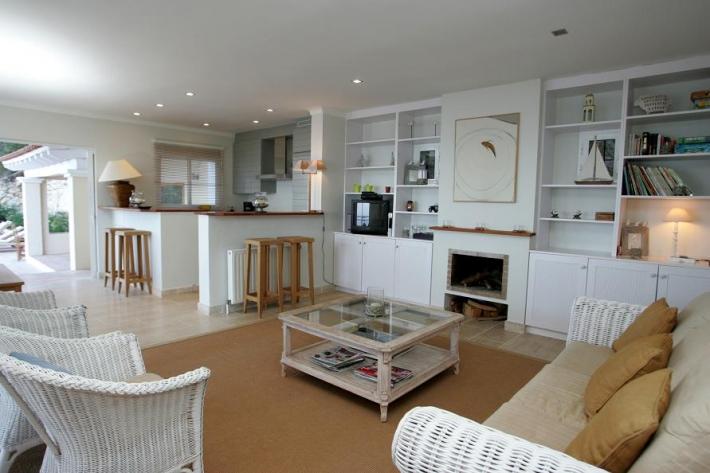 Deze villa van 5 kamers Es Cubells is te koop