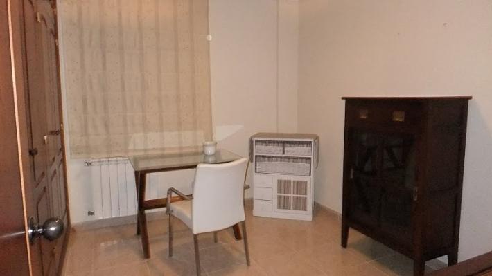Ruim 3 slaapkamer appartement te koop in Ibiza