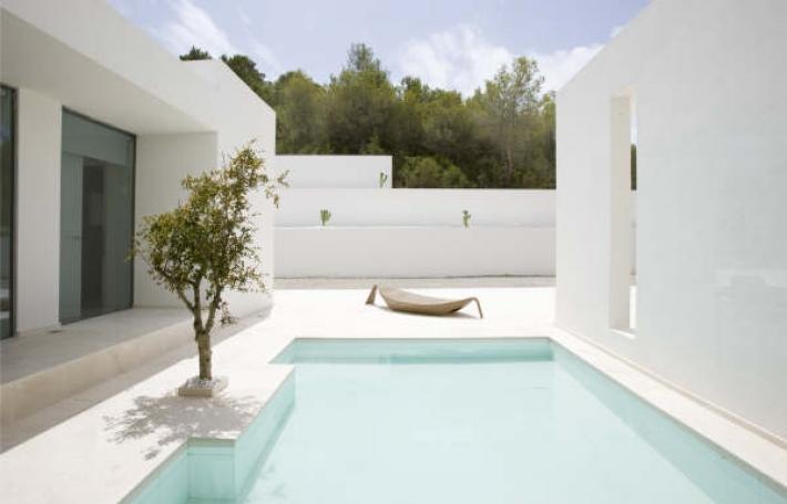 Deze prachtige villa met 4 slaapkamers te koop in San Jose