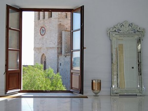 Mooie 8 slaapkamer villa in Ibiza te koop