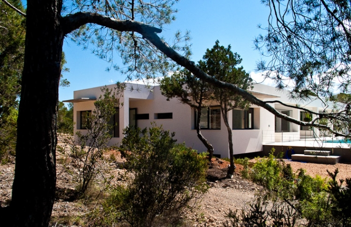 Luxe villa met vier slaapkamers te koop in de buurt van Cala Conta
