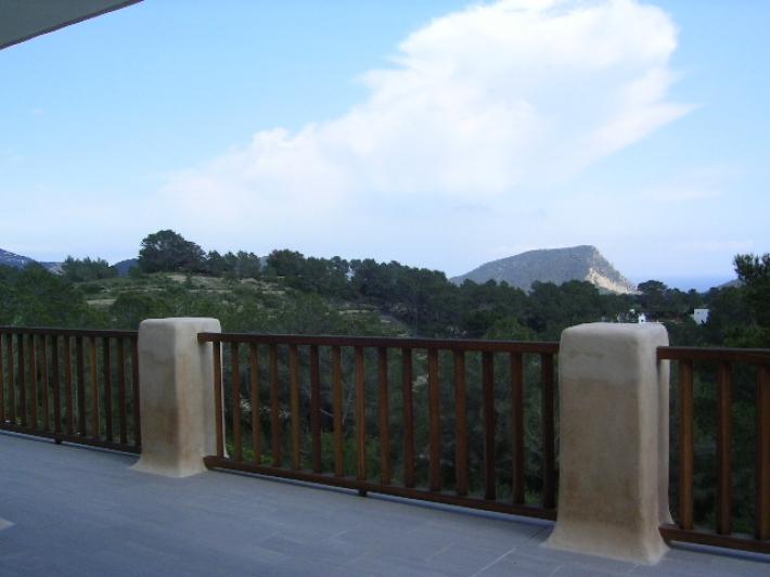 Deze luxe 7 slaapkamer villa te koop in Santa Eulalia